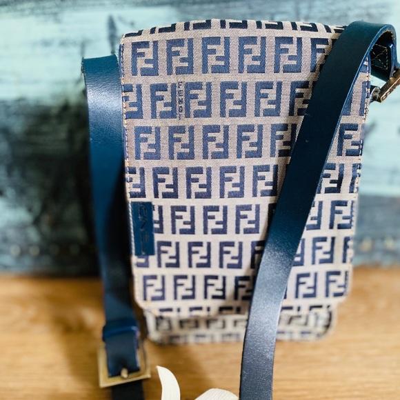 🌺Authentic Fendi Vintage Blue shoulder small bag